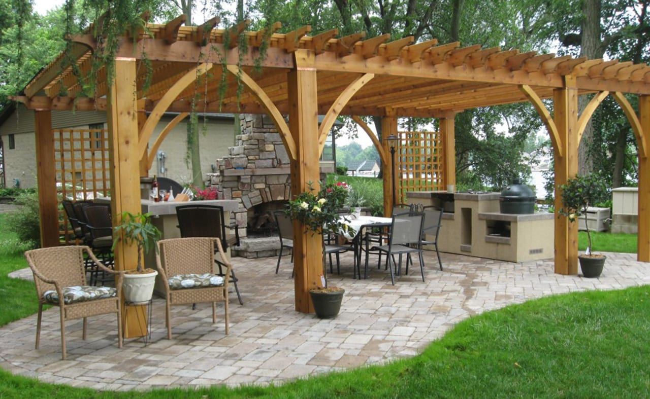 patio under awning